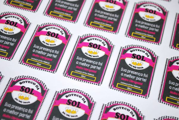 rotulo-para-garrafinha-50ml—festa-boteco-feminino-preto-com-pink
