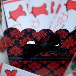 envelope para lixa vermelho e branco